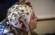 a brain-computer interface based on an electroencephalogram (EEG) cap